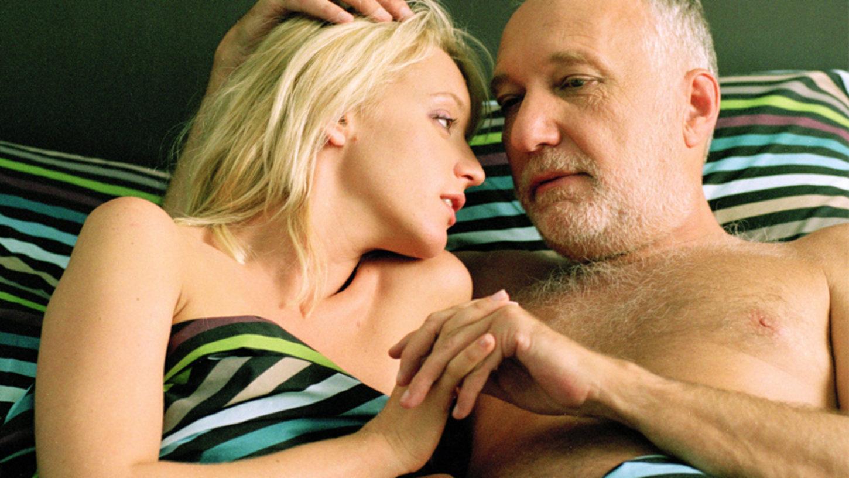 Русский дядя трахает свою племянницу, Дядя трахается с родной племянницей - Порно инцест 26 фотография